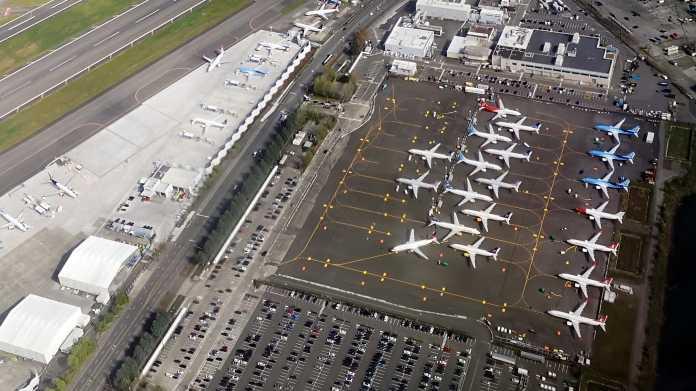 Geparkte Boeing-Flugzeuge aus der Luft fotografiert