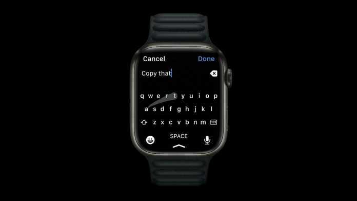 Apple Watch Series 7 mit Tastatur