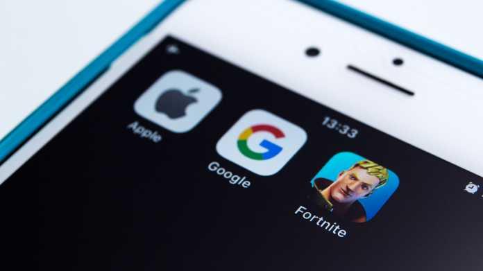 Icons von Apple-, Google- und Fortnite-Apps auf Handy-Bildschirm