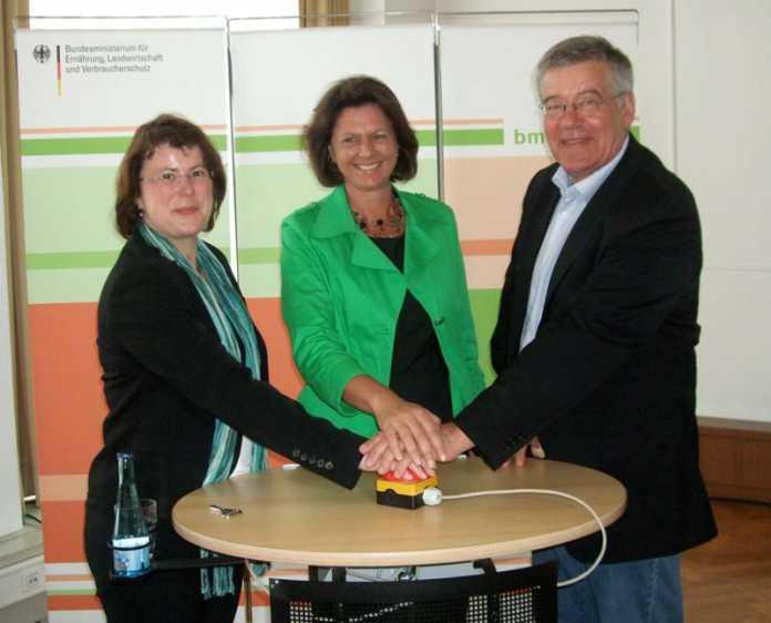 Cornelia Tausch, Ilse Aigner und Bernd Lutterbeck haben heute den Startknopf gedrückt.