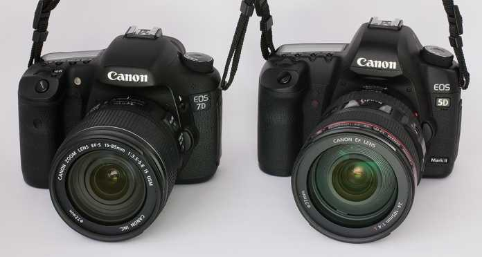 Frontansichten der EOS 7D (links) und EOS 5D MKII rechts mit den jeweiligen (gehobeneren) Kit-Objektiven