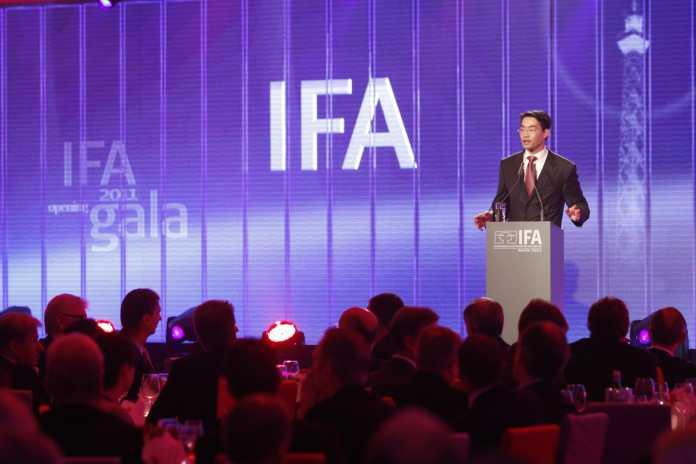 Bundeswirtschaftsminister Philipp Rösler zum IFA-Auftakt