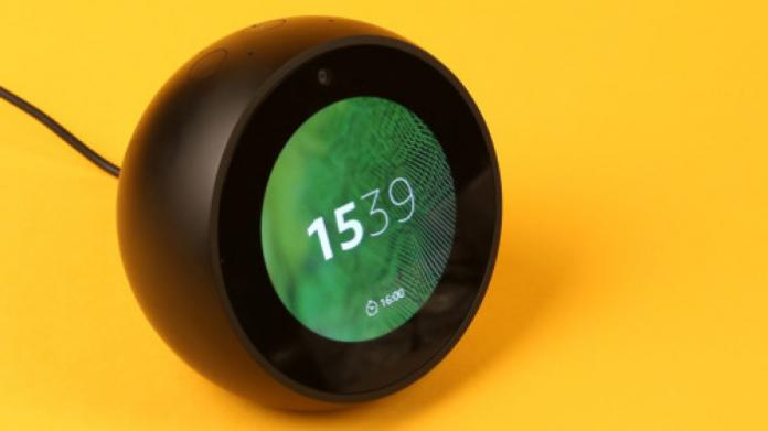 Amazon Echo Spot im Test: Sprachassistent mit Display