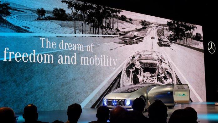 CES: Mercedes stellt Forschungsfahrzeug für autonomes Fahren vor