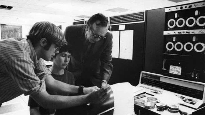 Der Pate des Internets: zum 100. Geburtstag von Joseph Licklider