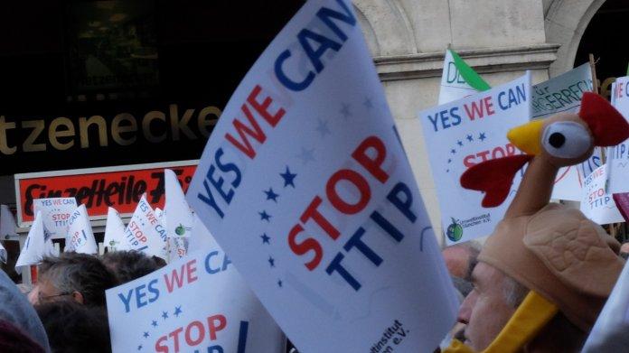 Proteste gegen Freihandelsabkommen: TTIP, das kriegt ihr nie!