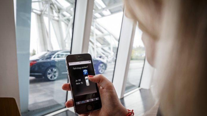 Daimler und Bosch wollen selbstparkendes Auto entwickeln