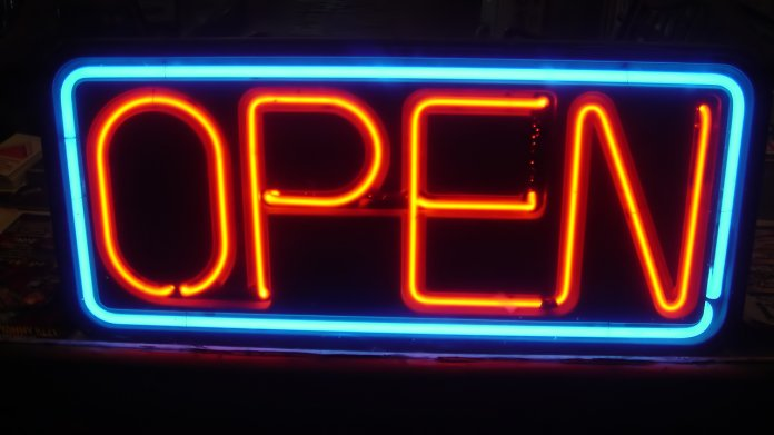 Open-Schild