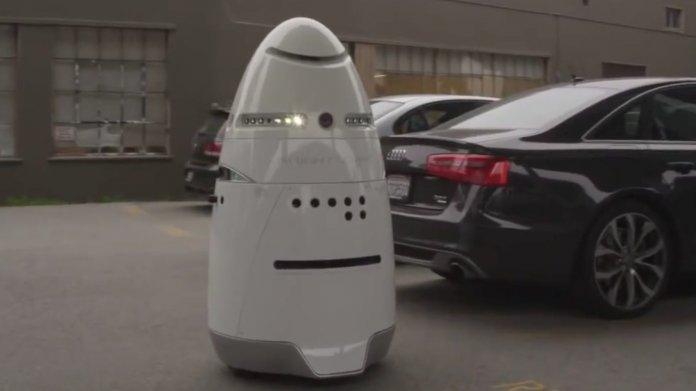 Erster Robocop patrouilliert in kalifornischem Einkaufszentrum