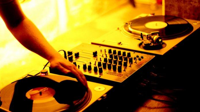 Trance-Musik mit versteckten Daten