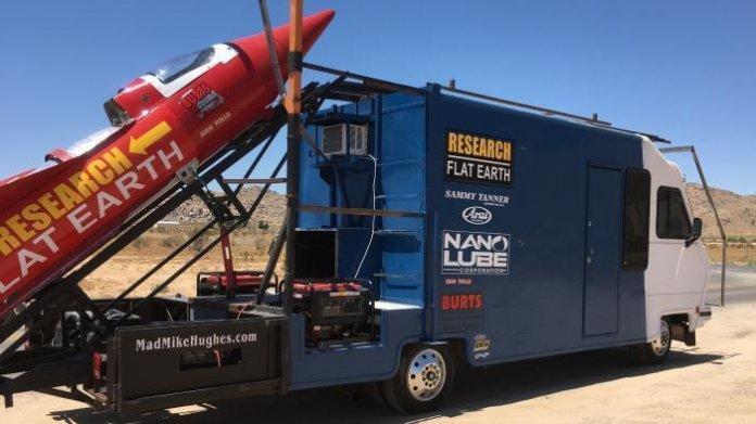 """Flache Erde""-Tüftler verschiebt Raketenflug"