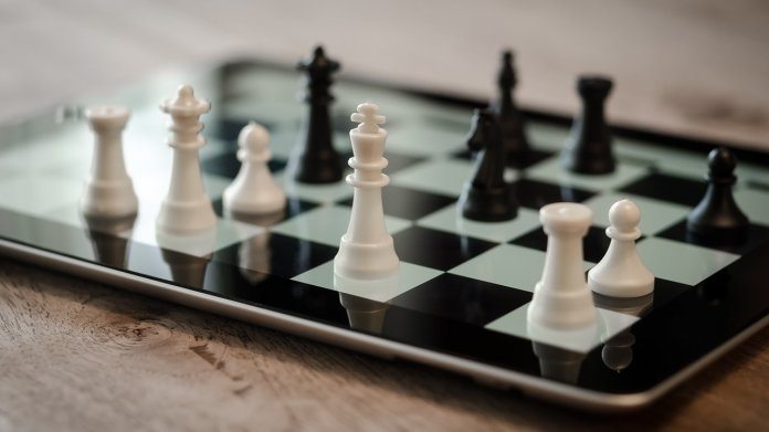 Künstliche Intelligenz: AlphaZero meistert Schach, Shogi und Go