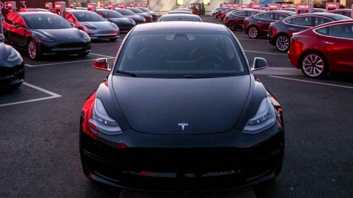 Elon Musk: Tesla Model 3 kommt 2019 nach Europa