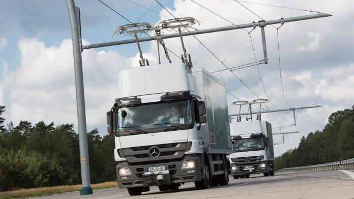 Ladespuren für E-Lastwagen im Bau