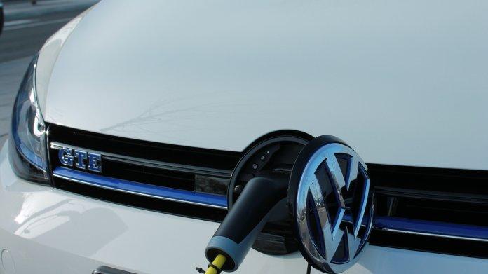 Elektro-Autos: 13.500 Ladestationen in Deutschland