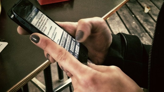 Frankreichs Parlament beschließt Handyverbot in Schulen