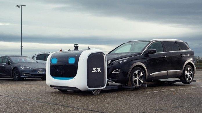 Flughafen Gatwick testet Roboter fürs Einparken von Autos