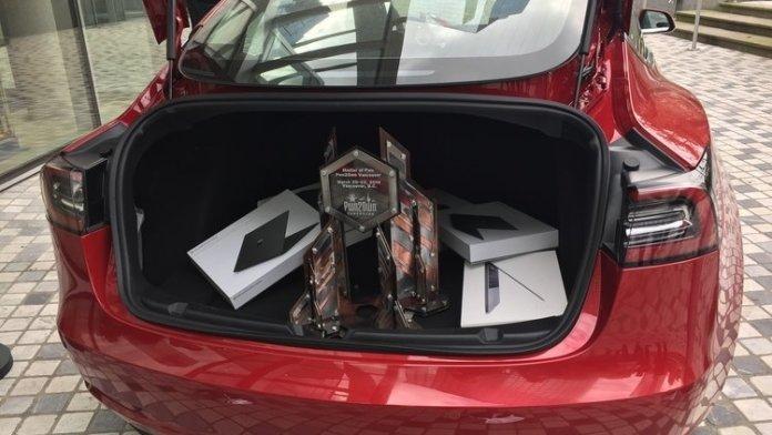 Hacker-Wettbewerb Pwn2Own: Teilnehmer knacken Tesla Model 3