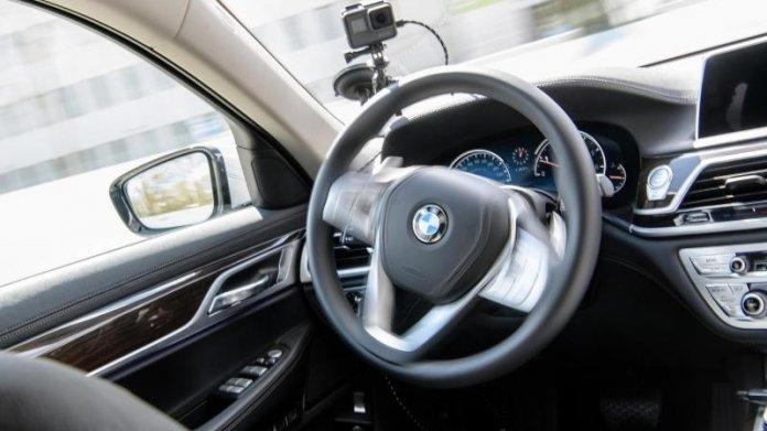 BMW - autonom fahrendes Fahrzeug
