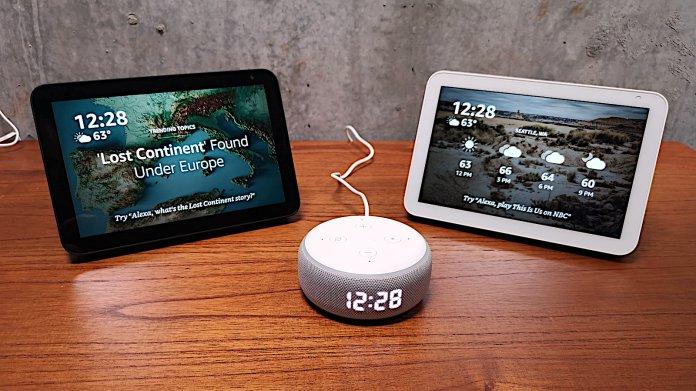 2 Echo Show 8, 1 Echo Dot mit Uhr