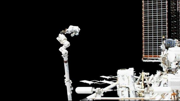 Astronauten absolvieren komplizierten Außeneinsatz an der ISS