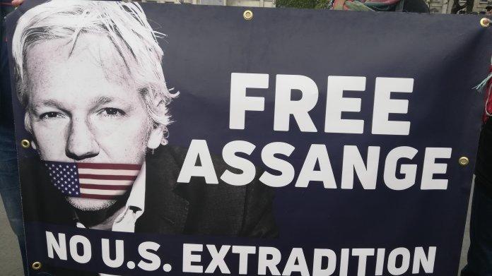 Ärzte: Ohne Behandlung könnte Assange im Gefängnis sterben