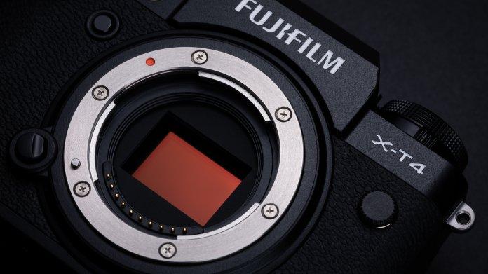 Fujifilm X-T4: Spiegellose Systemkamera mit interner Bildstabilisierung