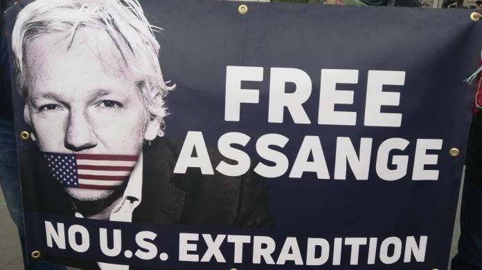 Assange: Mutmaßliches schwedisches Opfer fordert Rücktritt des UN-Folterexperten