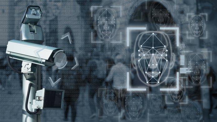 """Überwachung: EU-Rat lotet """"Live-Gesichtserkennung"""" bei Sport-Events aus"""