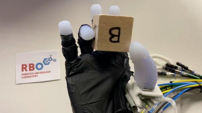 Wie Roboter ihre Fingerfertigkeit verbessern können