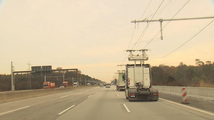 Oberleitungs-Lkw: Alle fünf Hybrid-Laster für Tests in Hessen unterwegs