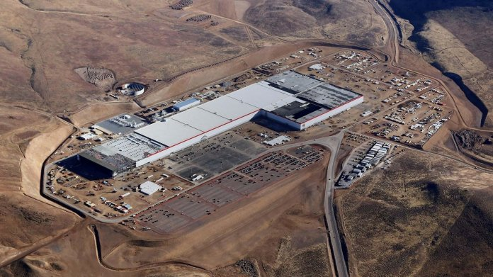 Luftaufnahme der Tesla-Gigafactory in Nevada