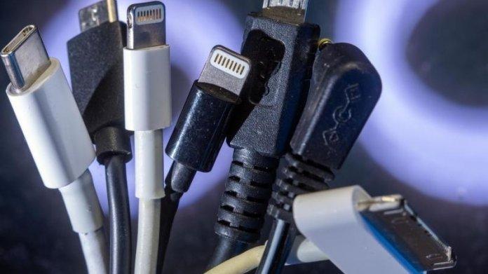 Ladekabel für unterschiedliche Handymodelle