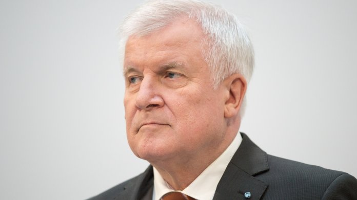 Berlin,,Germany,-,10-09-2017:,Horst,Seehofer,,Csu,,Answers,Questions,At
