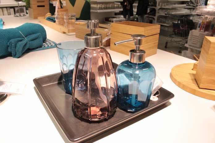 artikel diy leuchten mit ikea lampenfassung und schirm cpall. Black Bedroom Furniture Sets. Home Design Ideas