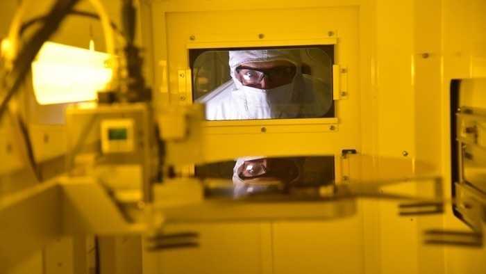 Intel beginnt mit Produktion von Chips für Quantencomputer in Fabrik in Arizona