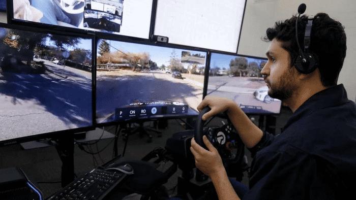 Ghost Auto fährt Roboterfahrzeuge aus der Ferne