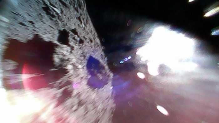 Sonde Hayabusa2: Lander senden erste Bilder von Asteroidenoberfläche