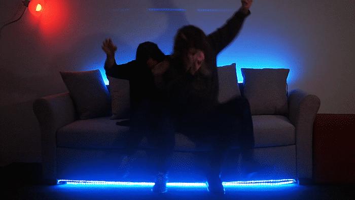Hellcouch: Dämonisches Sofa-Spiel erfordert vollen Körpereinsatz