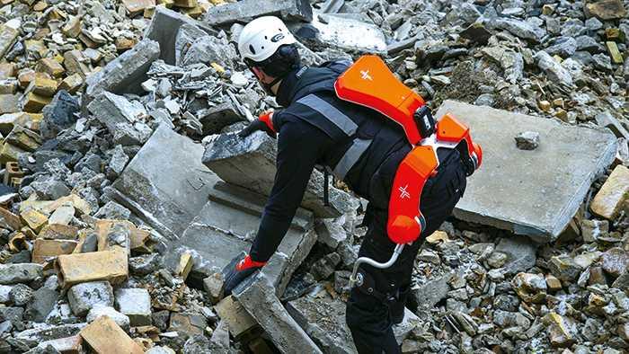 Exoskelette in der Industrie bringen Chancen und Probleme