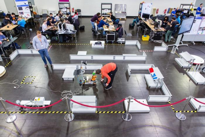 Übersicht über die Wettkampf-Arena (RoboCup Workshop 2016 in Magdeburg)