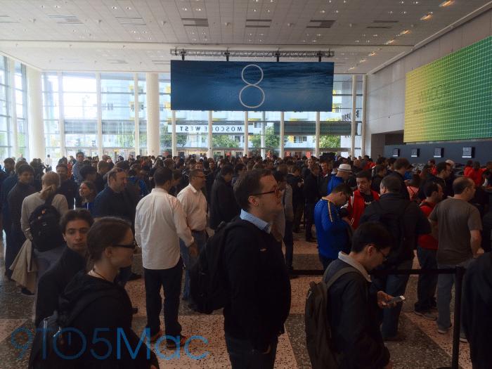 Schon am Sonntag gab es an den WWDC-Registrierungsschaltern im Moscone Center Gedränge.