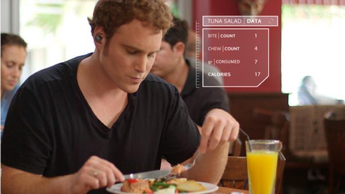 Fitness-Tracker fürs Ohr überwacht die Essgewohnheiten