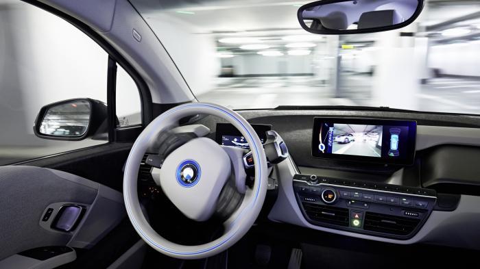 BMW: Autonom Einparken per Smartwatch-Befehl