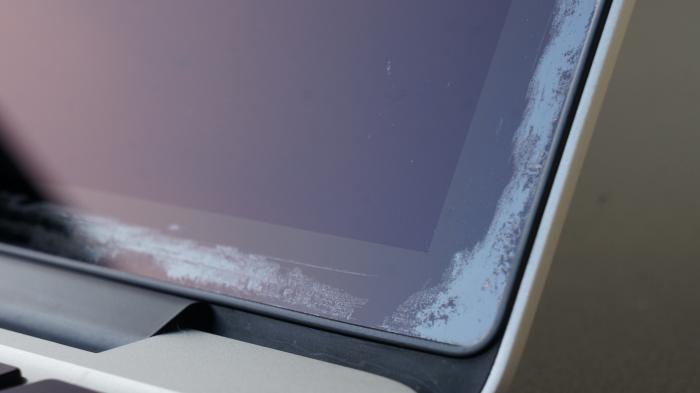 MacBook Pro: Berichte über anfällige Retina-Display-Beschichtung