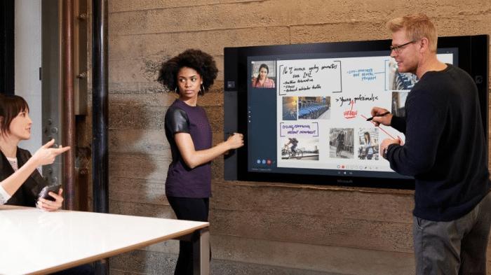 Microsoft Surface Hub: Redmond bringt das Riesen-Tablet
