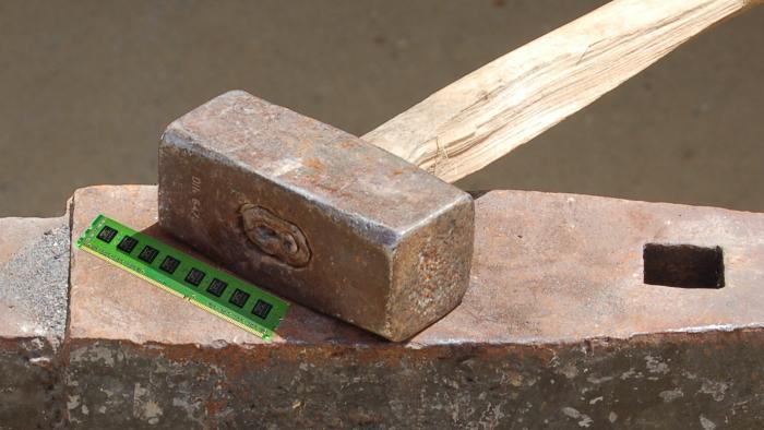 Rowhammer: RAM-Manipulationen mit dem Vorschlaghammer