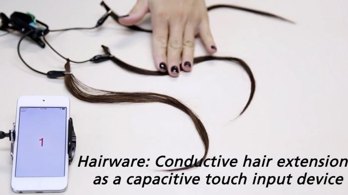 Haarverlängerung zur Smartphone-Steuerung