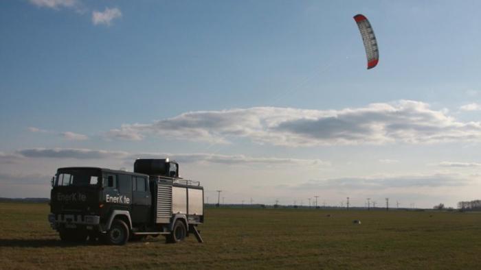 Drachen fliegen für sauberen Strom