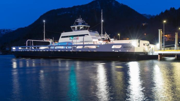 Erste elektrische Autofähre geht in Norwegen in Betrieb